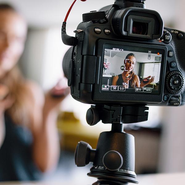 Онлайн Курс Маркетинг Influencer-маркетинг: работа с блогерами и лидерами мнений Image