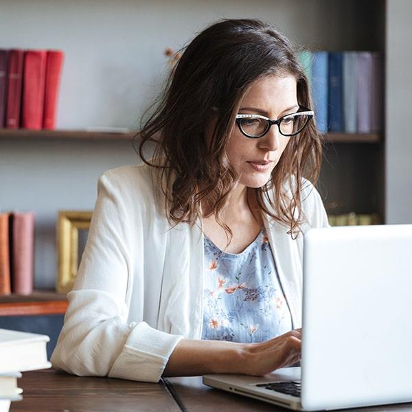 Онлайн Профессия Маркетинг Интернет-маркетолог Image
